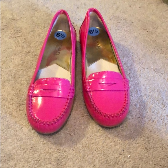 47f085c5413 Michael Kors Hot Pink Penny Loafers. M 5a5a681850687cd840e40966